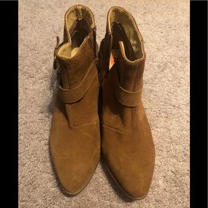 Brown ankles boots, size 10 women's